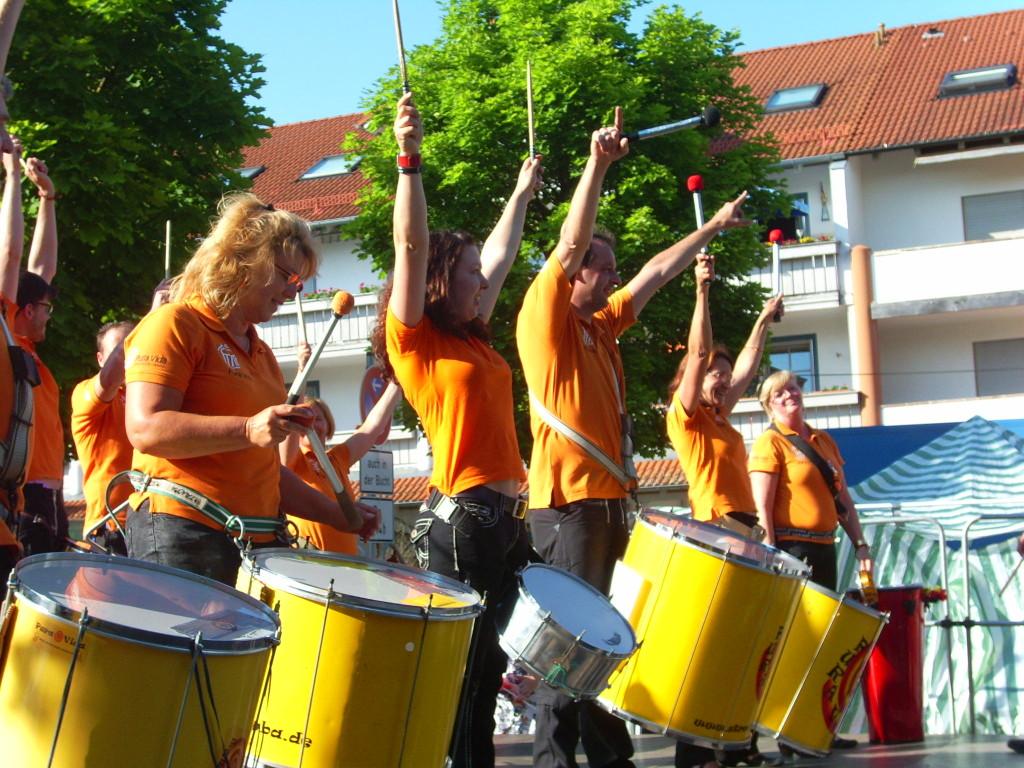 Pura Vida - street-style-samba
