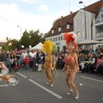 Tänzerinnen der Fuego Dance Company mit original Rio-Kostümen