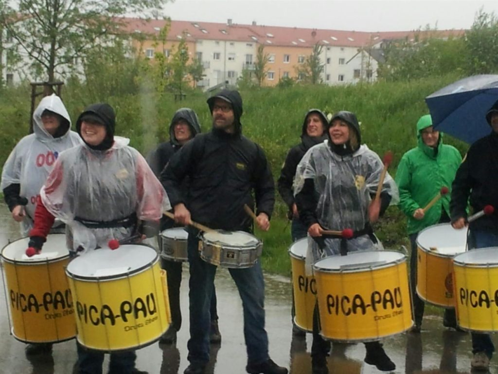 M-net Firmenlauf 2016, Pica-Pau trommelt im Regen
